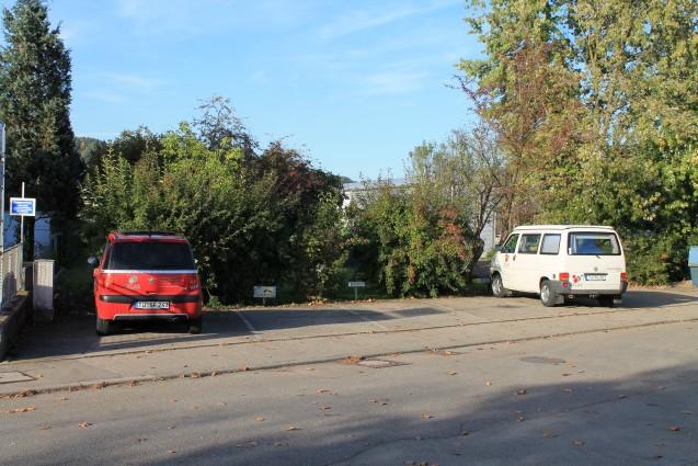 Kostenfreie Parkplätze stehen Ihnen zur Verfügung.